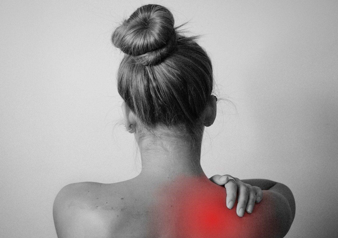 Back Pain Shoulder Injury Sun  - Tumisu / Pixabay